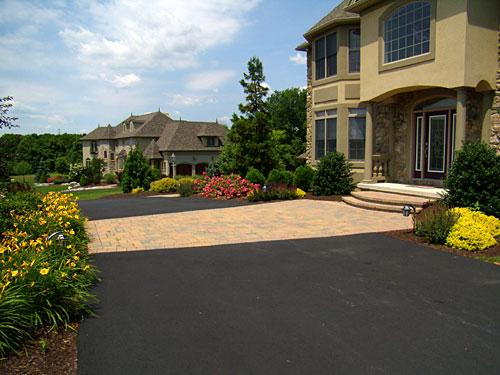 Entrance - Brick Valet paver inlay